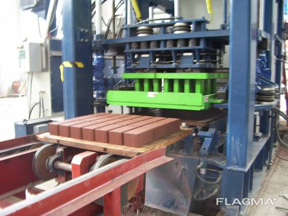 Б/У автоматический вибропресс блок машина KVM 300 м2 Дания